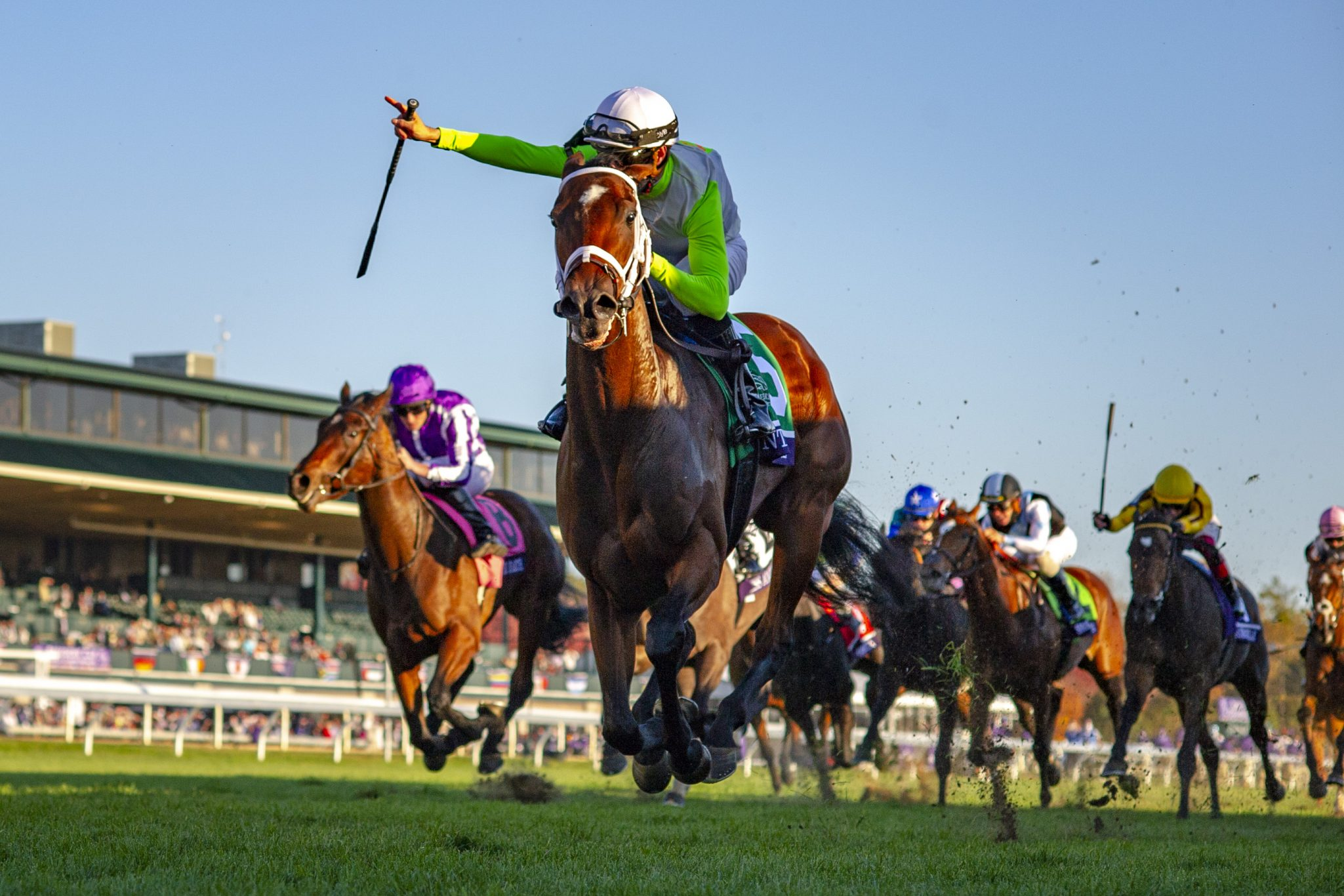 Aunt Pearl wins the Gr.1 Breeders' Cup Fillies Juvenile Turf